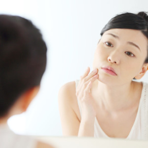 肌が乾燥する3つの原因と対策方法